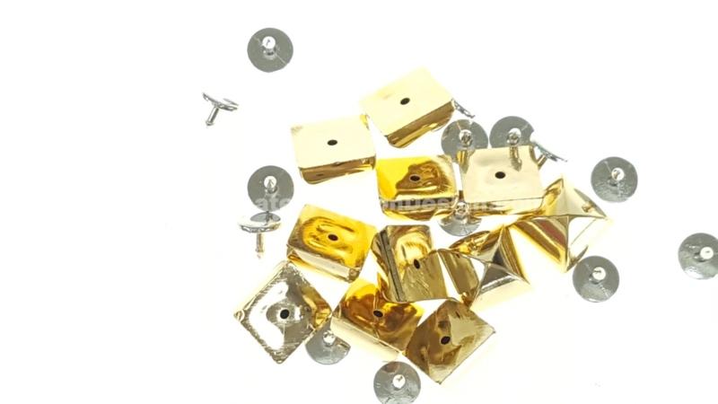 Studs met pinnetje, plastic, goud