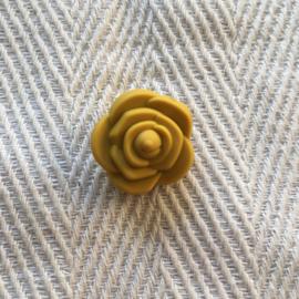 Kleine bloem - mosterd geel