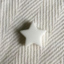 Star M - white