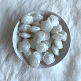 Kleine bloem -  parelmoer wit