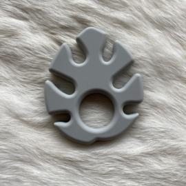 Monstera blad bijtfiguur - licht grijs