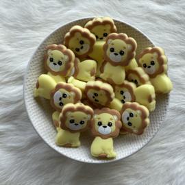 Lion bead - light yellow