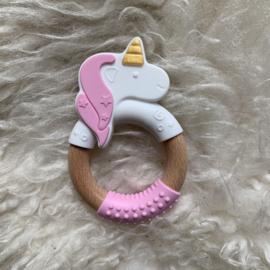 Eenhoorn met houten ring rond - pastel roze