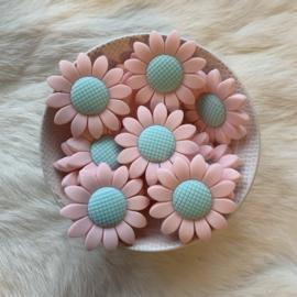 Daisy bead pastel pink