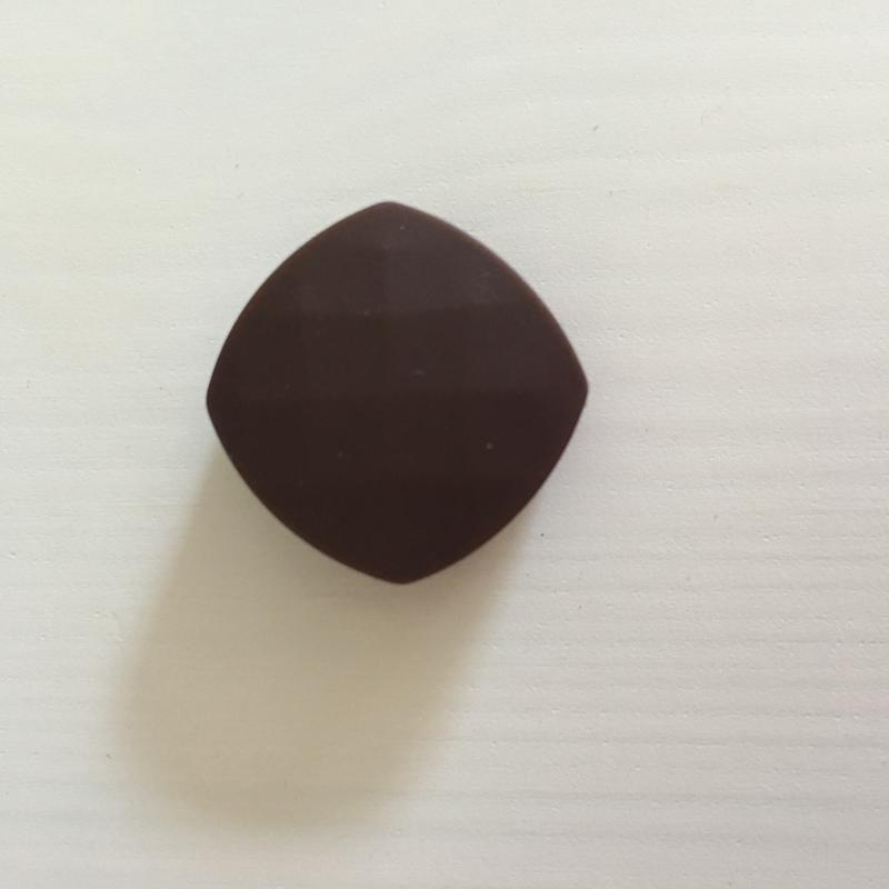 Gefaceteerd vierkant - bruin