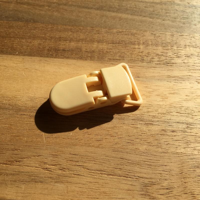 Speenclip kunststof 20mm - creme geel