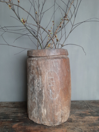 Oude zware houten pot xxl