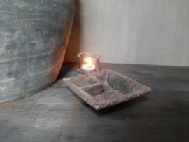 Oud houten kruiden bakje