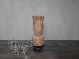 Oud houten kaarsen standaard kandelaar
