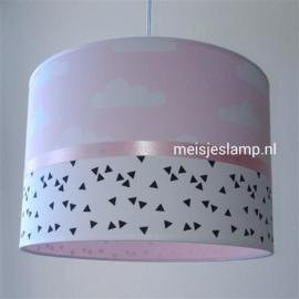 Meisjeslamp roze met witte wolkjes