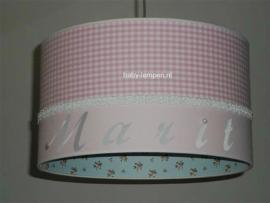 meisjeslamp met naam en parel roze lichtblauw roosjes