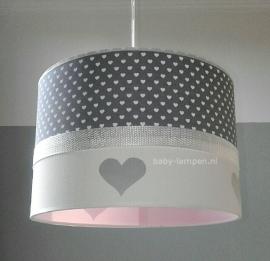 meisjeslamp grijs witte hartjes zilveren hartjes roze binnenkant