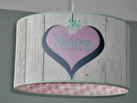 meisjeslamp met naam 3x hart steigerhout behang