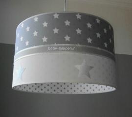 meisjeslamp lichtgrijs witte sterren zilver sterren wit grijze sterren