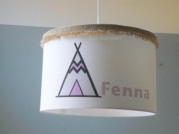meisjeslamp met 3x  naam en indiaan tentje