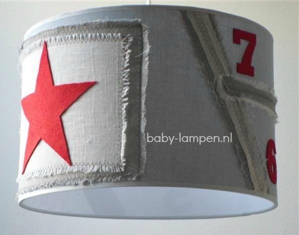 jongenslamp stoer beige rode ster