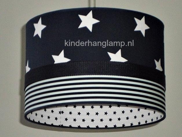 Jongenslamp donkerblauw sterren en dunne streepjes
