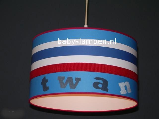 Jongenslamp met naam behang rood wit blauw Twan