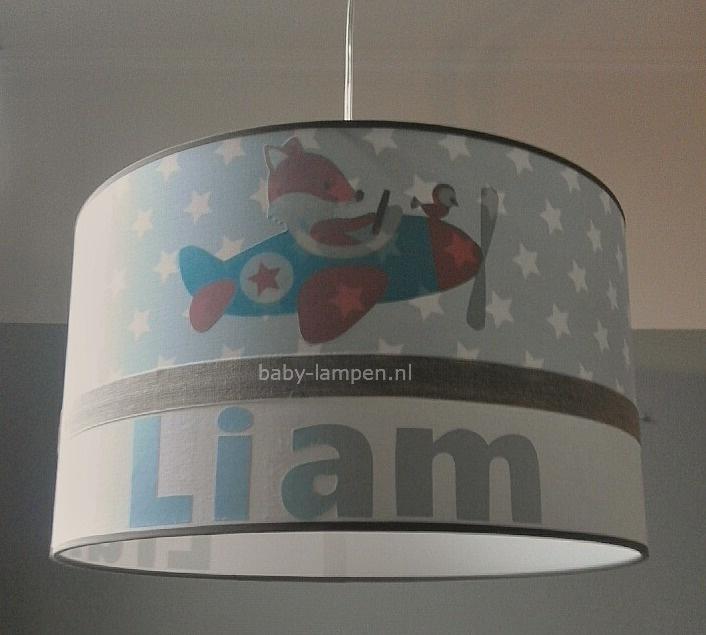 Jongenslamp met naam lichtblauw sterren vosje in vliegtuig