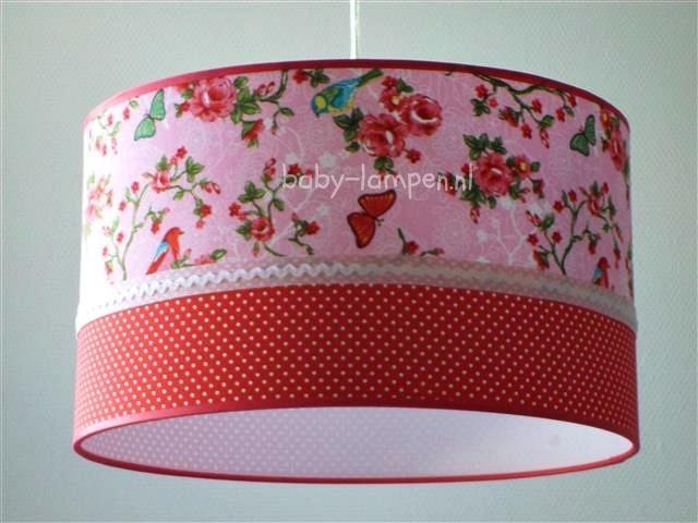 meisjeslamp roze vlinders rood stipje