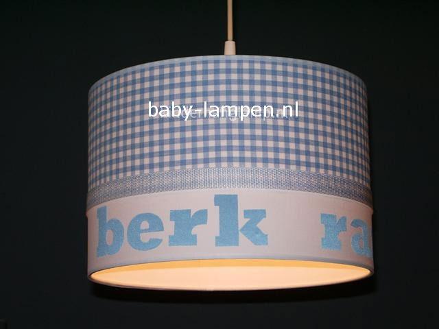 Jongenslamp met naam Berk lichtblauw ruitjes