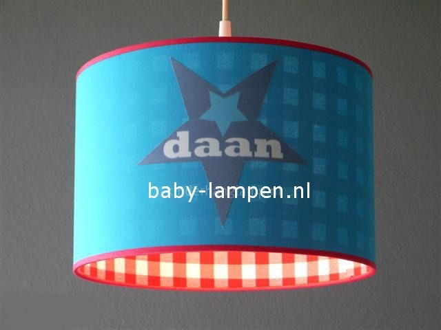 Jongenslamp met naam 3x  Daan in ster aquablauw en rood