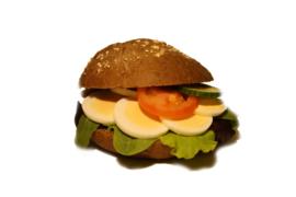Belegd broodje ei