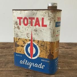 "Metalen oliekan ""Total Oil"""