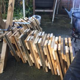 Ontwerp en Productie van Middeleeuwse meubels