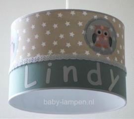 meisjeslamp met naam beige sterren uiltjes en oud groen