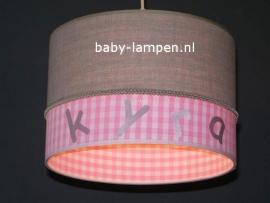 meisjeslamp met naam beige roze ruitjes