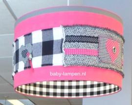 Lamp kinderkamer stoer roze zwart wit grijs