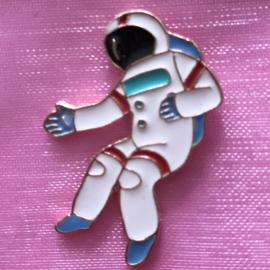 Pin astronaut 1