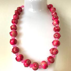 Ketting handgemaakte kralen roze