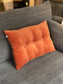 Kussen in oranje velours met drie knopen - 40x60 cm