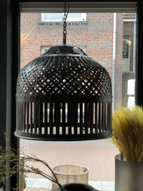 Hanglamp Mylene van zwart bewerkt metaal