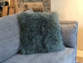 Kussen met petrolkleurige schapenvacht groen - 50x50 cm