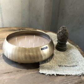 Kaars in gouden pot op voetjes