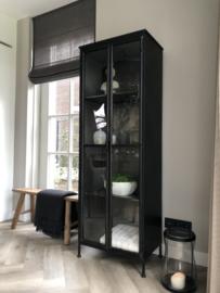 Zwart metalen vitrine kast 2-deurs