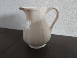 Queen's Plain Creme - Waterkan ca 18 cm hoog