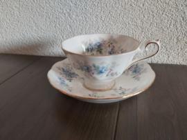 Blue Blossom - Theekop en schotel (Avon)