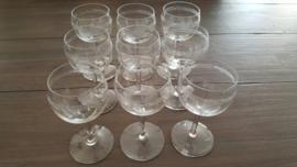 9 Kleine wijn of amuse glaasjes
