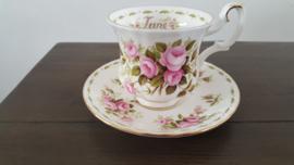 Juni -  Koffiekop met schotel (damesmodel)