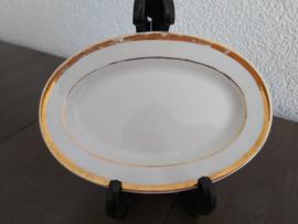 Poppenservies met gouden bies - Vleesschaaltje B 15,5 cm
