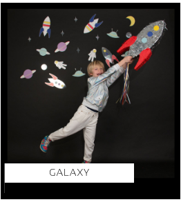 Galaxy Ruimte Cosmic thema kinderfeestje verjaardag feestartikelen en feestversiering kopen van het merk Meri Meri bij PretaPret altijd hip en trendy