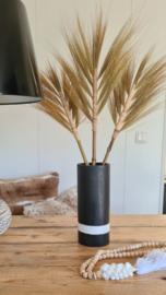 Zwarte vaas met witte streep