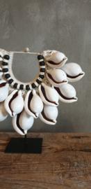 Kleine witte tijgerschelp ketting