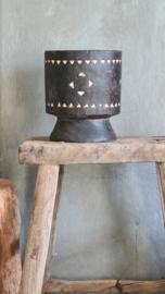 Bohemian houten vaas op voet zwart