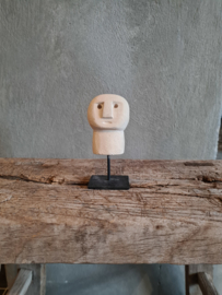 Little stoneman on stand, beige