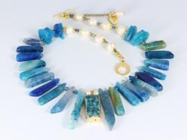 collier goud met blauwe agaat en parels